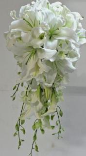 White Lilly orchid bouqet